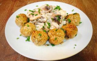 Italian-Shirataki-Fettucini-with-turkey-meatballs-900