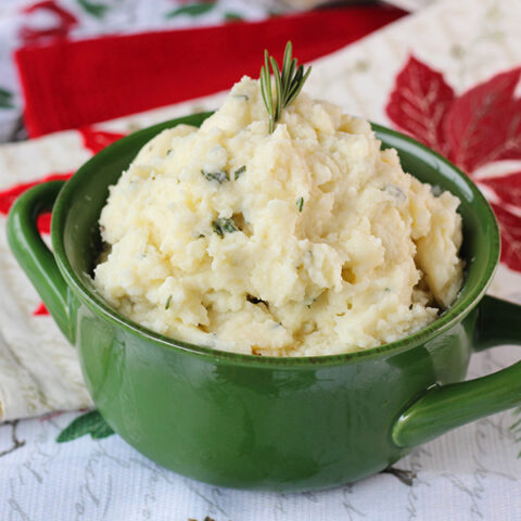 Holiday Side Dish: Cheesy Cauliflower Mash